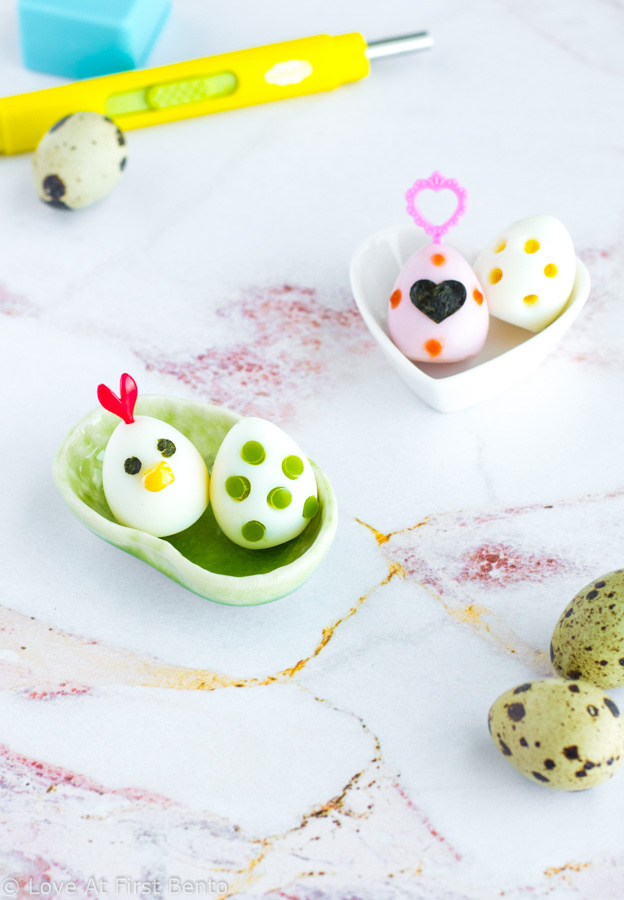 4 Ways to Decorate Eggs - Step-by-step tutorial (+ video!) for making colored eggs, dinosaur eggs, flower eggs, & chicken eggs. Makes the perfect addition to any bento box! Works on hard-boiled quail or chicken eggs. | www.loveatfirstbento.com/4-easy-ways-to-decorate-eggs/