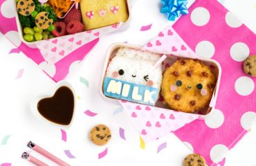 Milk & Cookies Bento Box - Made from rice and potato korokke, this milk & cookies bento box may just be the cutest lunch ever! Find out the secret kitchen hack used to easily shape the rice, + how to dye food blue NATURALLY in under 10 seconds | loveatfirstbento.com