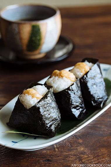 Tenmusu tempura shrimp onigiri