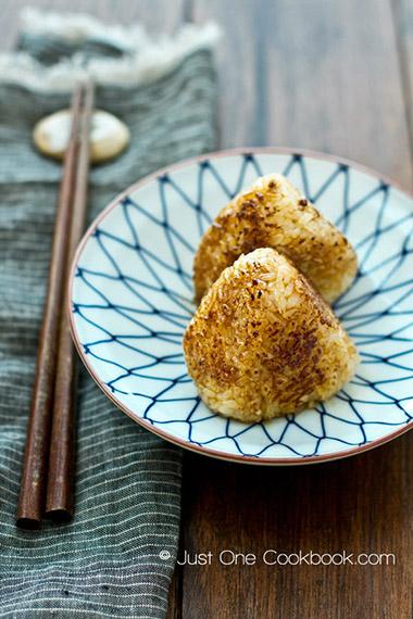 Yaki (Grilled) Onigiri
